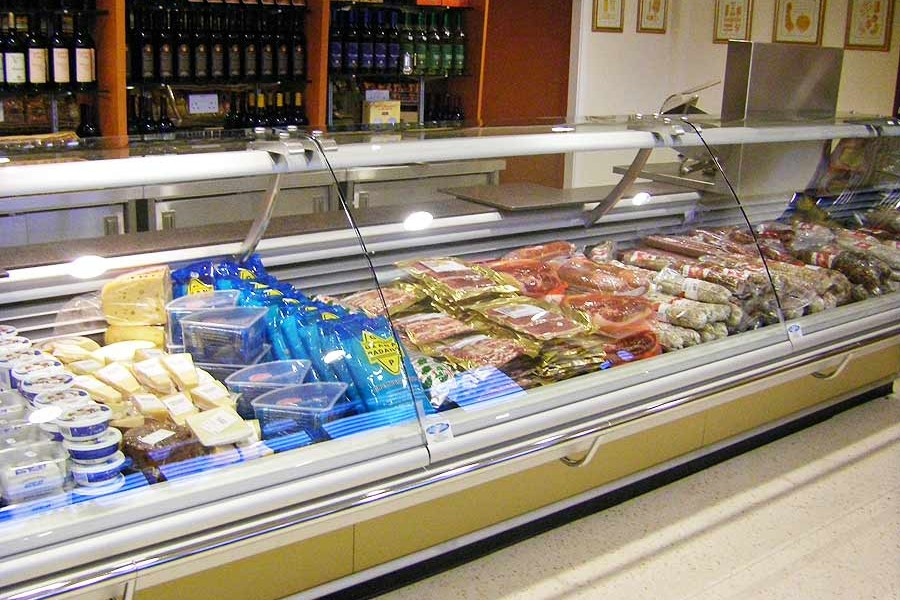 Roma deli counter
